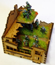 15mm WW2 Ruined Terraced House and Shop